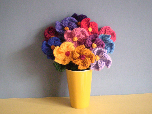 How To Knit Flowers With These 10 Flower Knitting Patterns | The Knitting Librarian